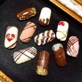 Шоколадний манікюр: тільки б не з'їсти