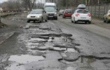 Як вантажівки руйнують українські дороги - Укравтодор