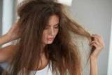 Чому взимку електризуються волосся